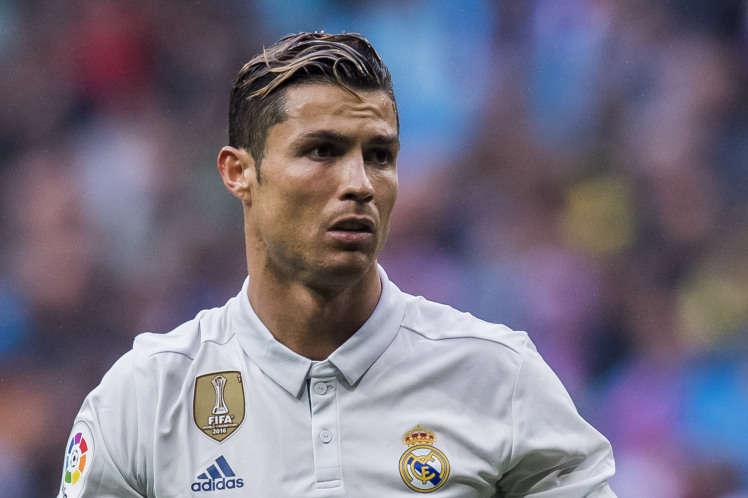 Ronaldo chưa có tầm ảnh hưởng lớn như Messi