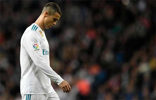 Mỗi tuần một câu chuyện: Vấn đề của Real nằm ở tuyến giữa chứ không phải việc Ronaldo im tiếng