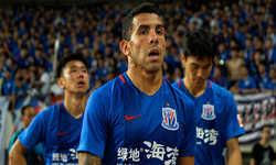 Tevez bỏ về quê nhà Argentina vì mất suất dự chung kết FA Cup Trung Quốc