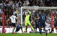 Anh và Đức chia điểm ở Wembley