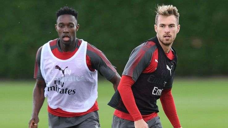 Arsenal có sự trở lại của Danny Welbeck (trái)