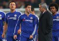 Chạm mặt trò cũ Hazard, Mourinho hành động 'lạ'