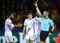 """Sao Real trả giá đắt vì """"tẩy thẻ"""" ở Champions League"""