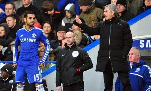 Salah phải rớm rời Chelsea vì không nhận được sự tin tưởng của Mourinho.