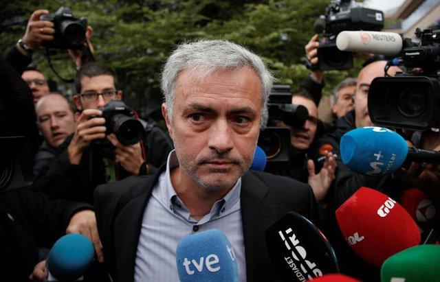 Mourinho phải trả lại 3 triệu bảng nợ tiền thuế