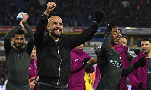 Man City lập hai kỷ lục về chuỗi trận thắng ở Anh