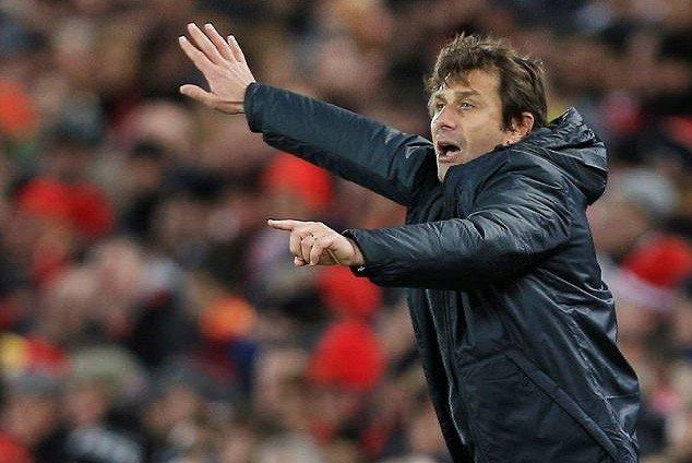 Conte không hài lòng với việc chuyển nhượng của Chelsea ở mùa Hè vừa qua