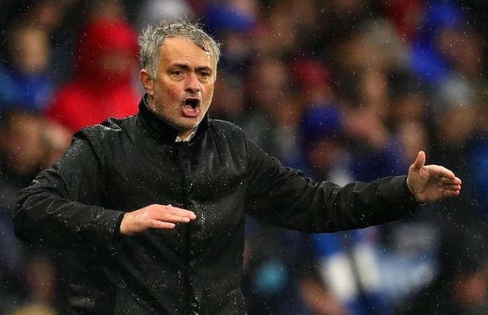 Mourinho và CĐV MU đang có những mâu thuẫn chưa thể hòa giải