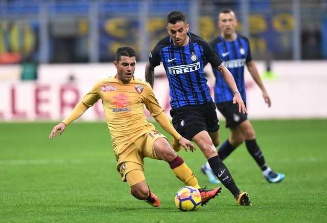 Inter sảy chân, lỡ thời cơ bắt kịp Napoli