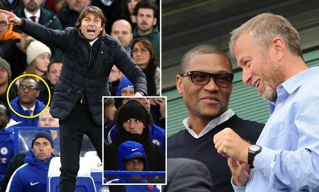 Giám đốc kỹ thuật Chelsea, ông Michael Emenalo tuyên bố chia tay The Blues