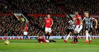 Lindelof lại mắc sai lầm, báo hại Man United