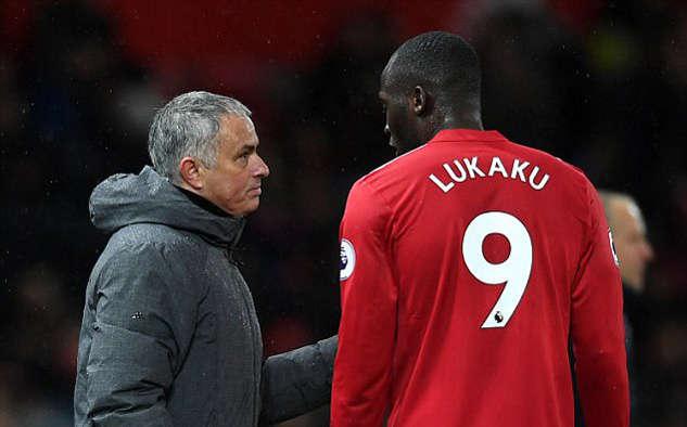 Mourinho sẽ đau đầu nếu thiếu Lukaku 3 trận tới