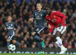 Mourinho không biết chơi tấn công, đội hình Real chắp vá trước đại chiến