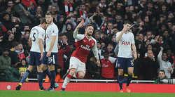 Hạ gục Tottenham, Arsenal đại thắng derby đầy kiêu hãnh