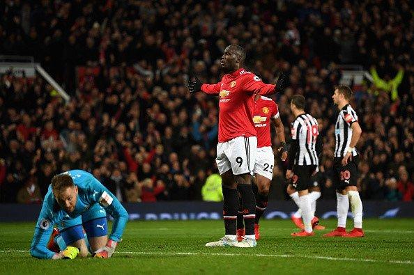 Lukaku giải hạn bàn thắng.