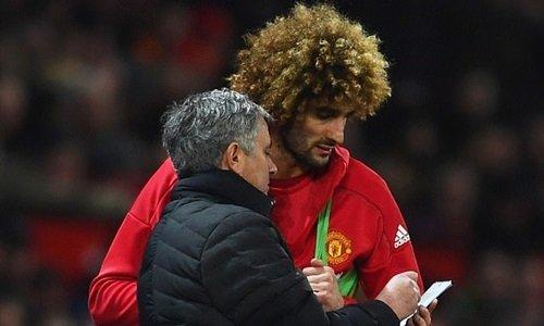 Fellaini cùng ông thầy Mourinho đều bị đồn liên hệ với PSG