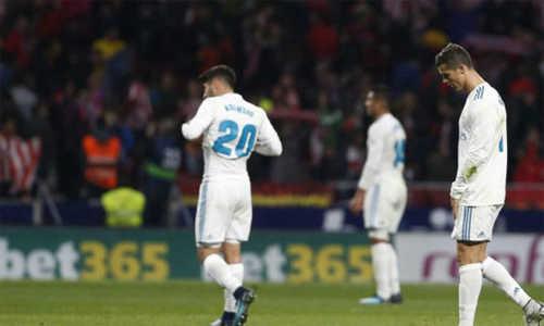 Zidane đã từng lập kỳ tích cùng Real khi kém Barca tới 12 điểm