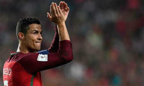 HLV Fernando Santos cho Ronaldo nghỉ cả hai trận trong tháng 11