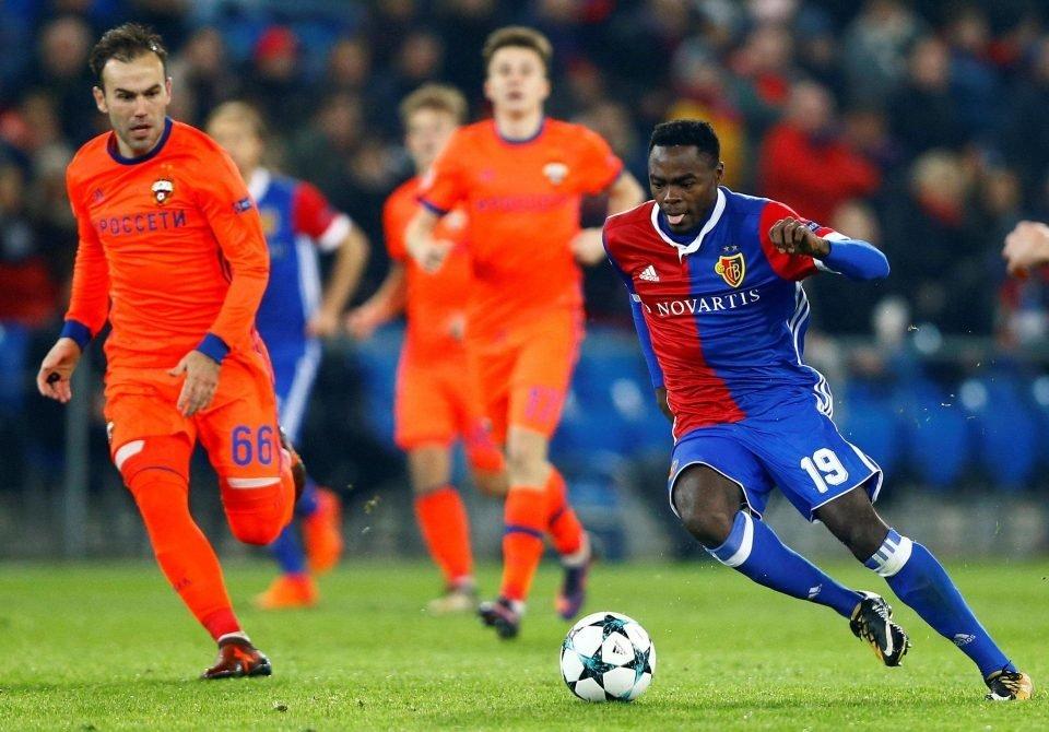Oberlin (phải) gây ấn tượng mạnh ở Champions League mùa này