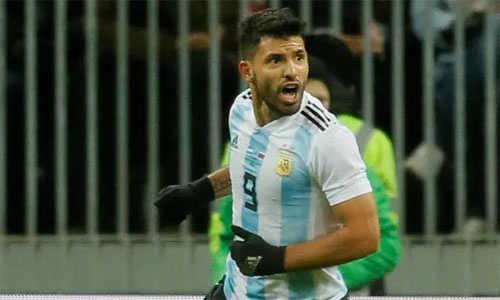 Aguero nhập viện trong trận đấu với Nigeria