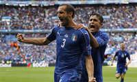 Chiellini: 'Chiến thuật của Guardiola khiến hậu vệ Italy lụi tàn'