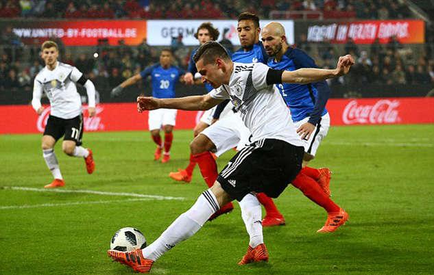 Đức thoát cảnh bại trận ở phút bù giờ