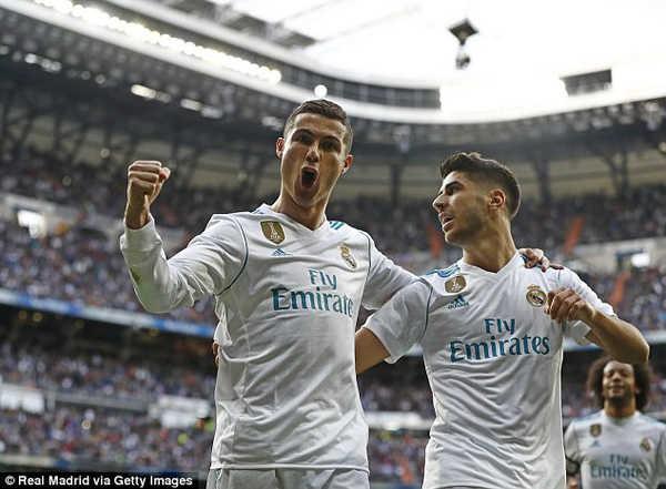 Real dẹp tan những hoài nghi bằng chiến thắng 5 sao trước Sevilla