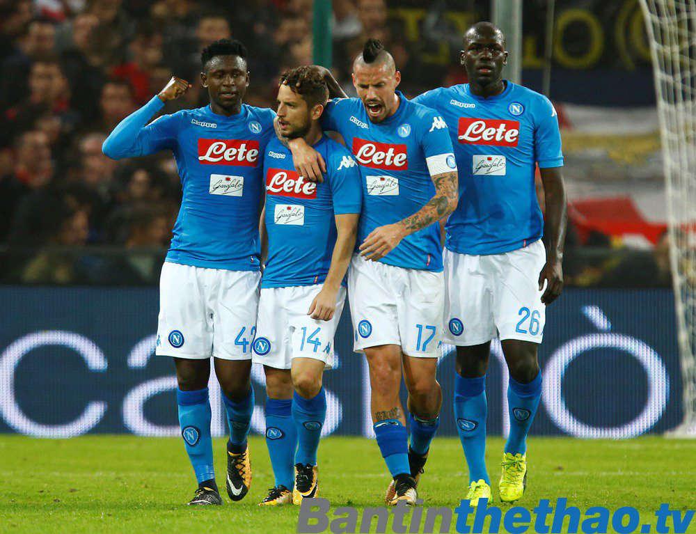 Napoli chính thức xuống chơi ở Europa League