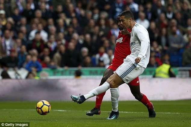 Real Madrid chơi trên cơ hoàn toàn trước Sevilla