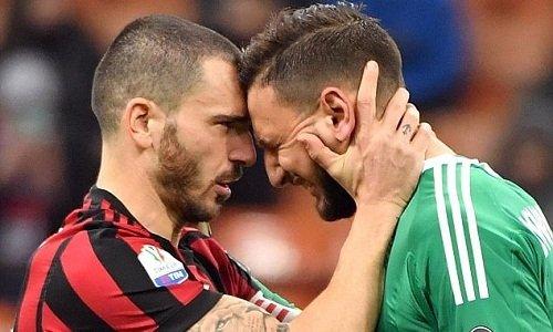 Donnarummabật khóc sau trận đấu với Verona.