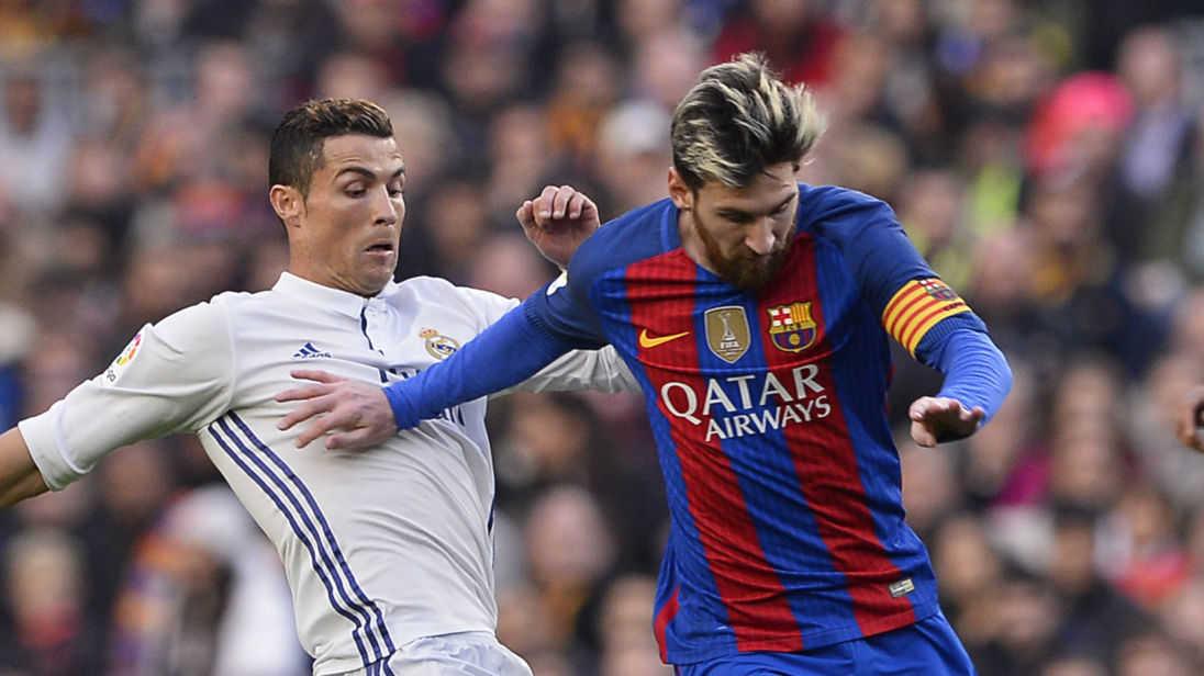 Ronaldo sẽ không bao giờ có được mức lương như của Messi, Juve quyết có được Emre Can