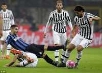 Juve và Inter cầm chân nhau không bàn thắng, cơ hội cho Napoli