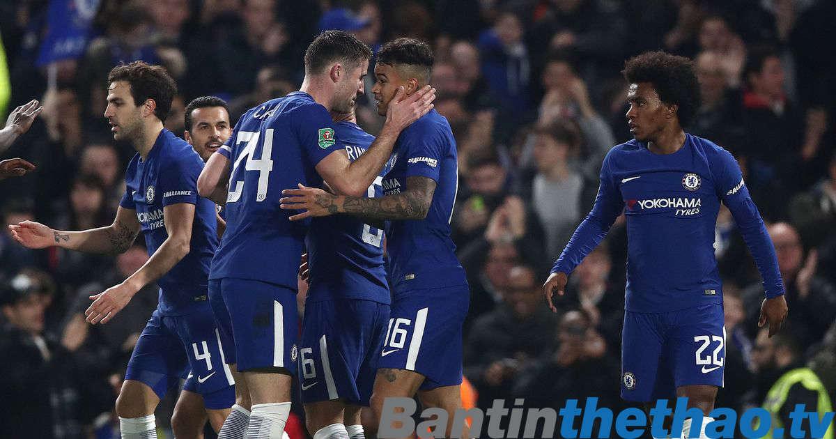 Thắng Brighton 2-0, Chelsea bám sát M.U trên BXH