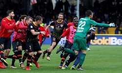 AC Milan bị chia điểm ngay phút bù giờ ở Serie A