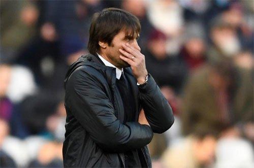Conte đối mặt thử thách lớn ở những đấu trường chính của Chelsea.