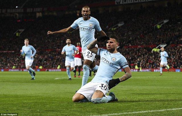 Man City lập kỷ lục giành 14 chiến thắng liên tiếp ở Premier League