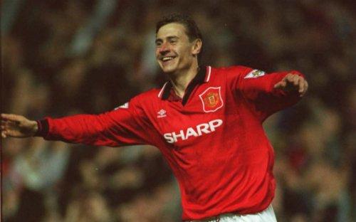 Kanchelskis là cầu thủ gần nhất ghi hat-trick trong trận derby Manchester. Thành tích này được thiết lập ở trận thắng 5-0 của Man Utd vào tháng 11/1994.