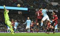 """Neville: """"Man City vẫn còn cách xa các đội bóng vĩ đại"""""""