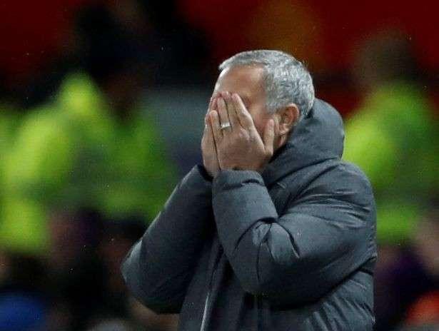 Đội bóng của Mourinho đã thua Man City 1-2 ngay tại sân nhà