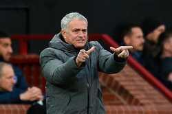 """Mourinho đòi sắm """"ảo thuật gia"""", Arsenal giành giật Jonny Evans với Man City"""