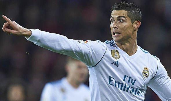 Ronaldo dự định khoác áo PSG 2 năm tới