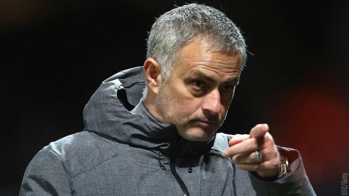 Mùa giải thứ 2 thần thánh trong sự nghiệp cầm quân của Mourinho, đang gặp nhiều bất trắc tại MU