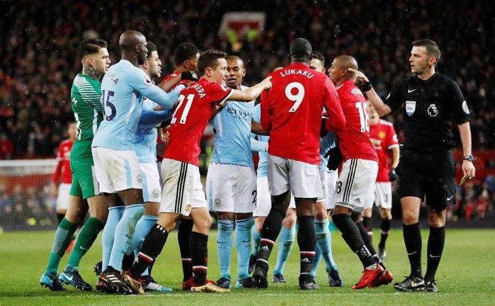 Mourinho cùng học trò không chỉ thua Man City mà hiện vụ xô xát ở đường hầm giữa 2 đội đang được FA điều tra làm rõ