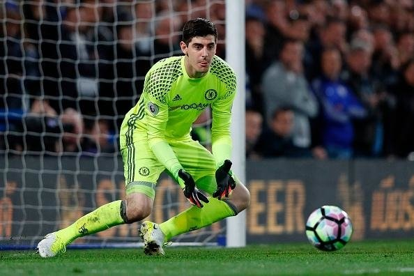 Chelsea muốn Courtois gia hạn hợp đồng
