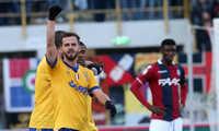 Juventus tiếp tục gây ấn tượng. Milan thảm bại, không thắng nổi đội bóng ở nhóm cuối bảng