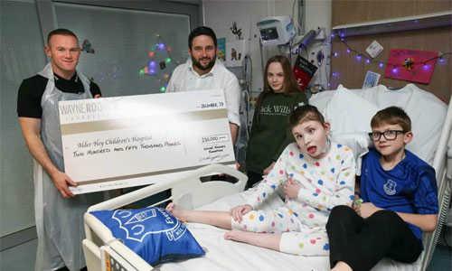 Rooney trích một triệu đôla cho ba tổ chức từ thiện