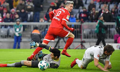 Lewandowski lập kỷ lục, Bayern vững ngôi đầu Bundesliga