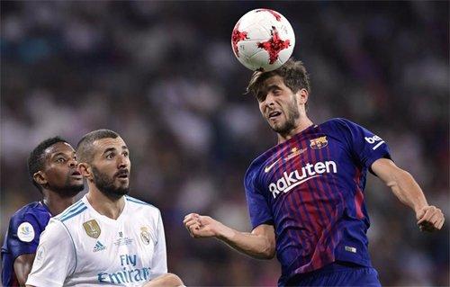 Semedo (trái) và Roberto (phải) từng cùng vào sân trong trận tranh Siêu Cup hồi tháng 8.