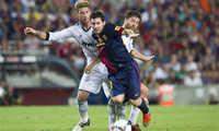 Xabi Alonso hồi tưởng những tháng ngày khốn khổ vì Messi