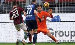 Thắng tối thiểu, Milan loại Inter khỏi Cup Italy